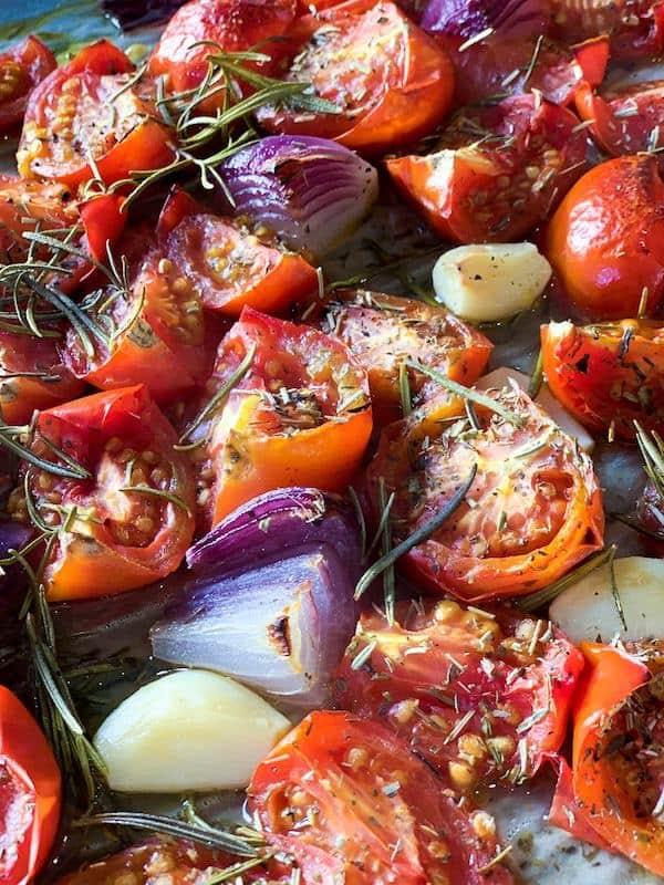 Tomatensuppe mit karamellisierten Zwiebeln